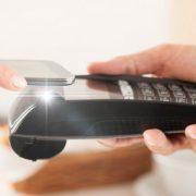 УБРиР уверенно увеличивает количество транзакций при помощи смартфонов