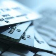 В каких банках выдают кредитные карты с 18 лет