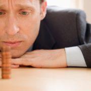 Как и где взять деньги, если банки не дают кредит, и негде занять?