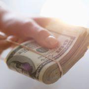 Как и где взять деньги, если банки не дают кредит