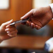 Что нужно учитывать при выборе кредитной карты?
