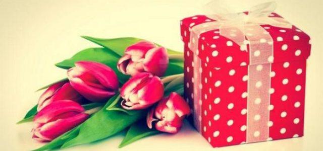 Займы в МФО «Домашние деньги» на подарки к женскому дню